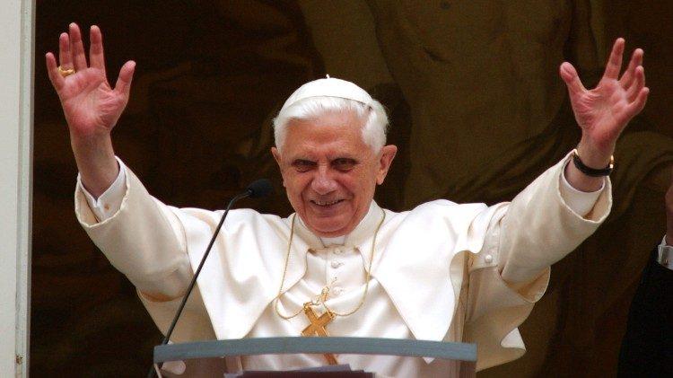Foto che ritrae papa Benedetto