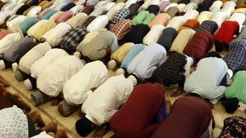 Foto di musulmani che pregano
